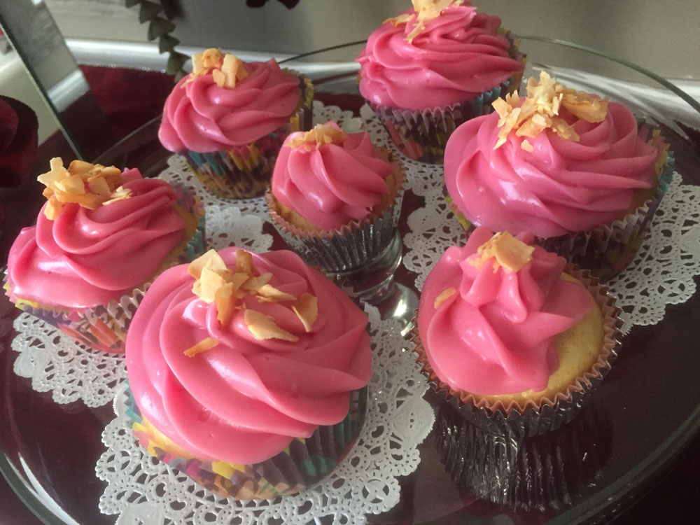 cupcakes-beet-frosting